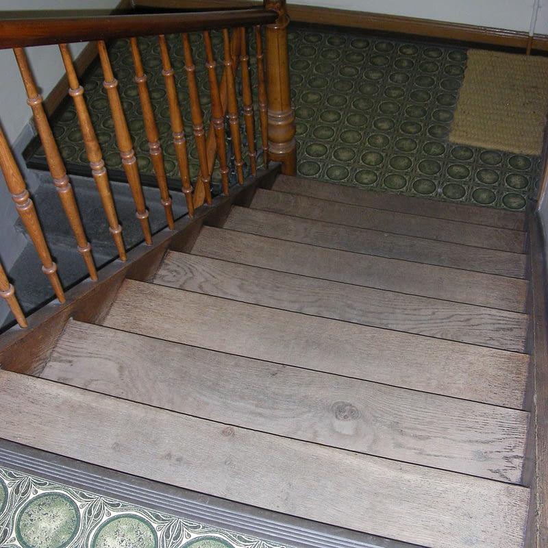 Sanierung Mehrfamilienhaus in Zürich Wipkingen, Treppenhaus vorher